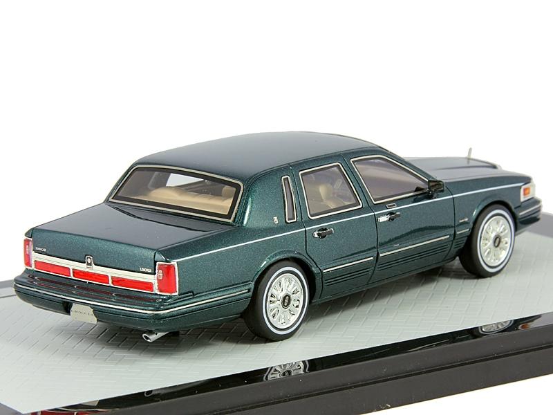 1 43 lincoln town car 1997 green metallic scalecar ru. Black Bedroom Furniture Sets. Home Design Ideas