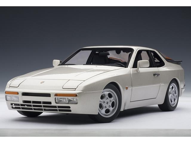 porsche 944 масштабная модель