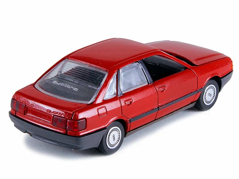 моделька автомобиля audi 80 b3 1/43