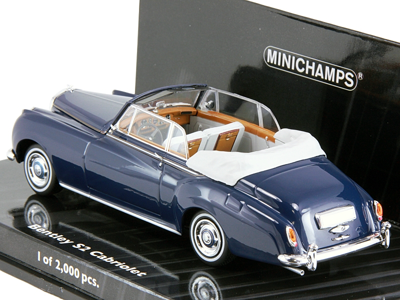 bentley flying spur 2005 масштаб 1:43, производство minichamps